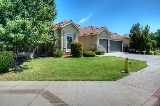 665 W Fremont Avenue, Clovis, CA - USA (photo 3)