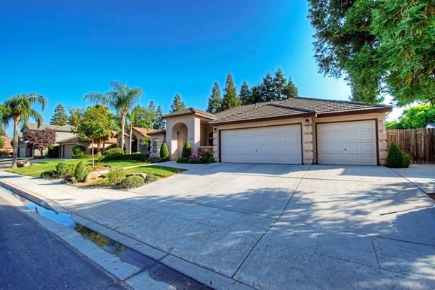 724 W Chennault Avenue, Clovis, CA - USA (photo 2)