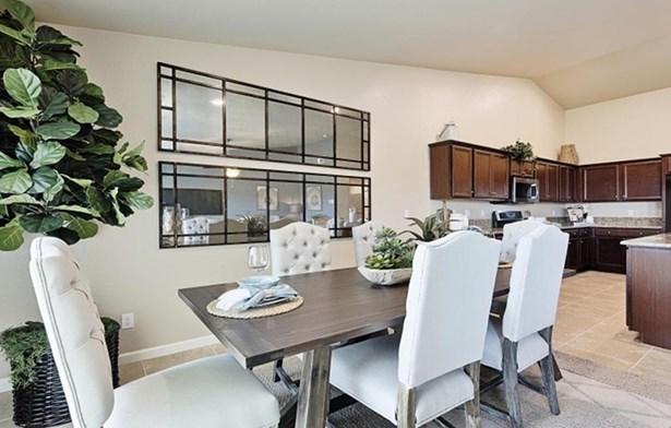 3932 W Modoac Avenue 23, Visalia, CA - USA (photo 4)