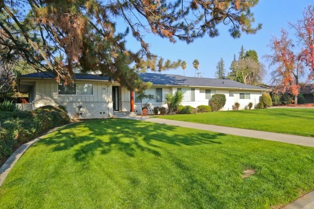 2068 W San Bruno Avenue, Fresno, CA - USA (photo 2)