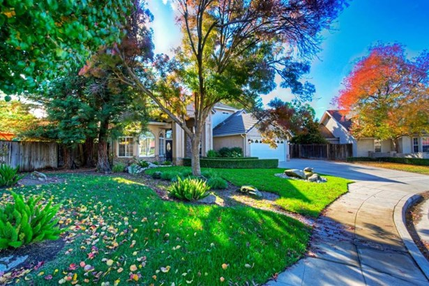 2582 Bellaire Way, Clovis, CA - USA (photo 2)