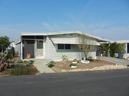 1300 W Olson Avenue 33, Reedley, CA - USA (photo 1)