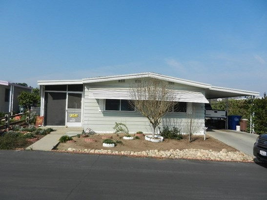 1300 W Olson Avenue 33, Reedley, CA - USA (photo 2)