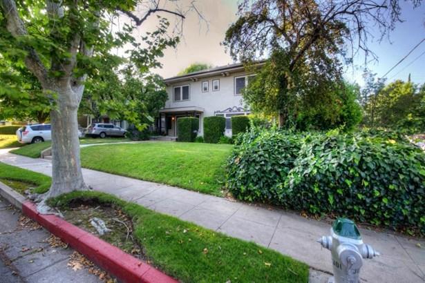 1037 E Cambridge Avenue, Fresno, CA - USA (photo 3)
