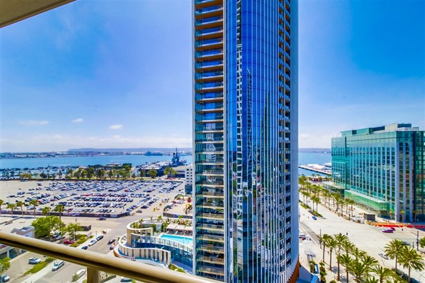 Contemporary, All Other Attached - San Diego, CA (photo 4)