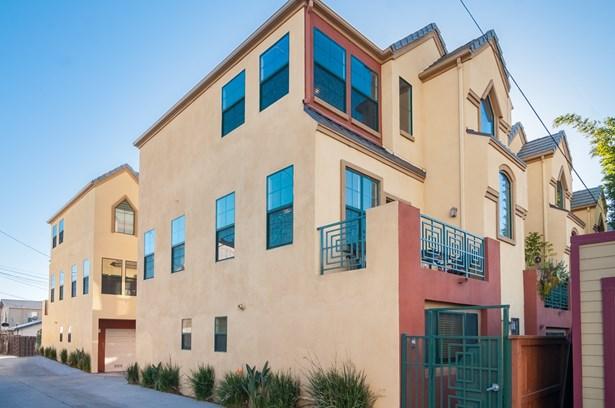 Rowhome - San Diego, CA (photo 2)