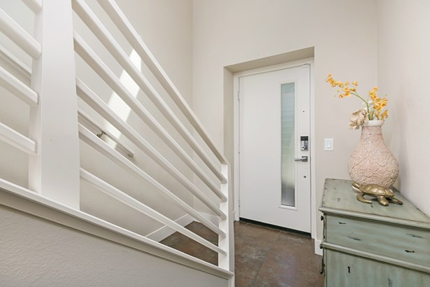 Townhome, Contemporary - San Diego, CA (photo 2)