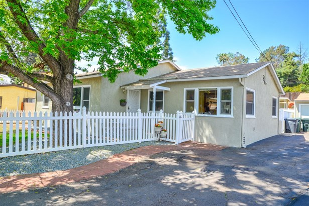 Traditional, Detached - Spring Valley, CA (photo 2)