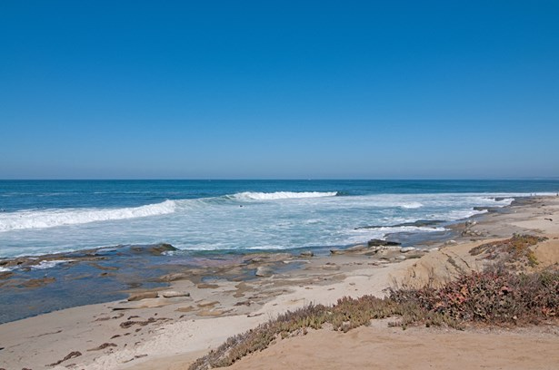 All Other Attached, Modern - La Jolla, CA (photo 2)