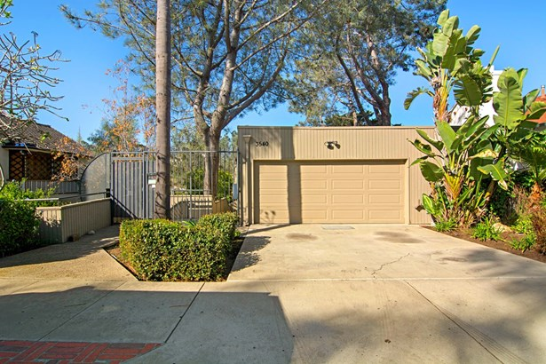 Townhome, Contemporary - San Diego, CA (photo 3)