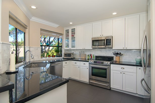 Townhome, Contemporary - San Diego, CA (photo 4)
