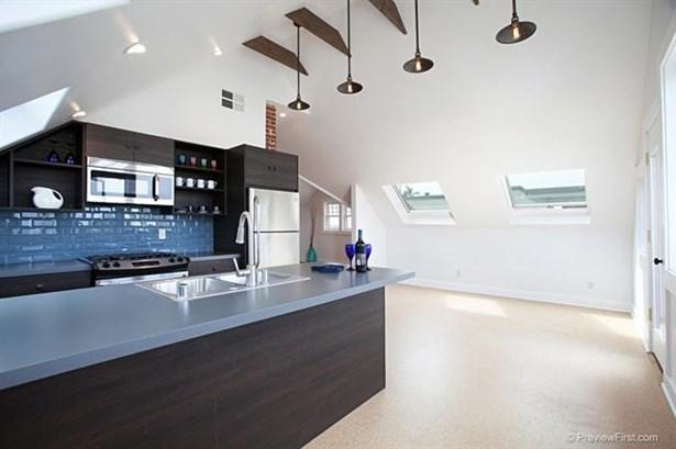 Craftsman/Bungalow, Apartment - San Diego, CA (photo 1)