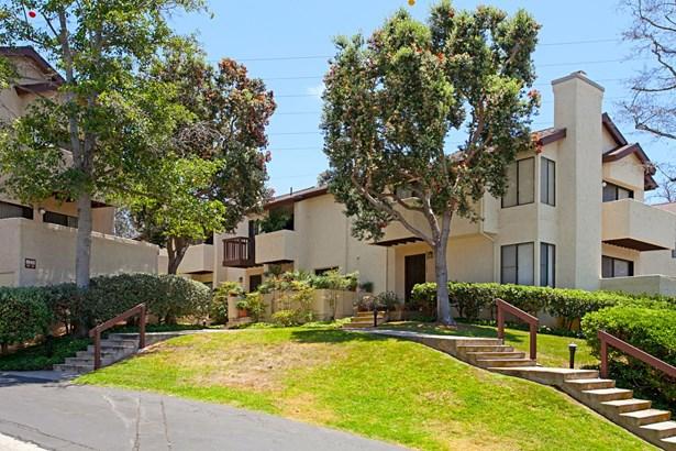 Townhome - San Diego, CA (photo 5)