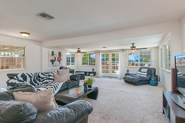 Traditional, Detached - Poway, CA (photo 5)