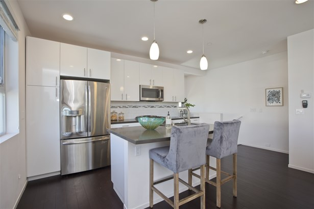 Townhome - San Diego, CA (photo 5)