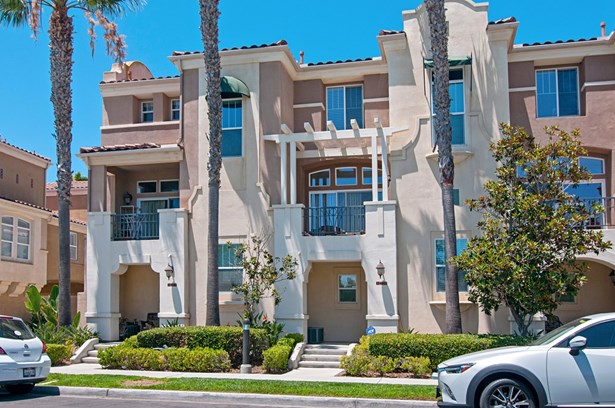 Townhome - San Diego, CA (photo 1)