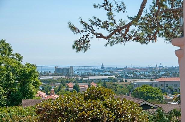 Detached, Mediterranean/Spanish - San Diego, CA (photo 4)