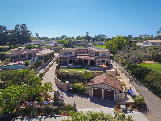 Detached - San Diego, CA (photo 2)