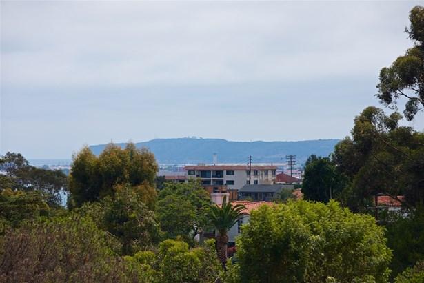 Detached, Custom Built - San Diego, CA (photo 5)