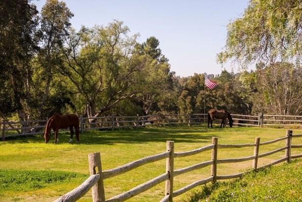 Detached, Custom Built - Rancho Santa Fe, CA