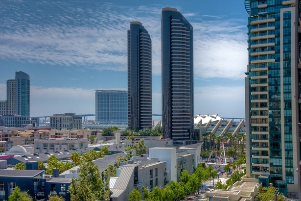 All Other Attached, Modern - San Diego, CA (photo 1)