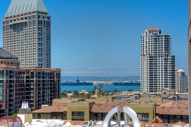 All Other Attached, Modern - San Diego, CA (photo 2)