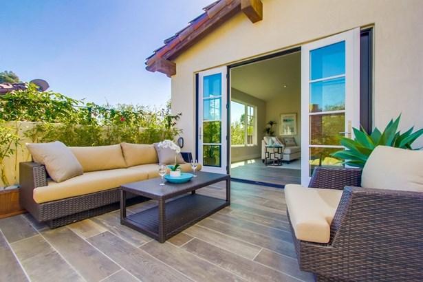 Detached, Custom Built - Rancho Santa Fe, CA (photo 2)