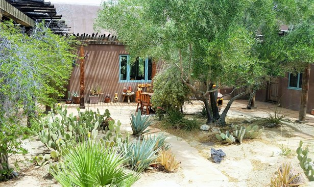 Detached, Custom Built - Borrego Springs, CA (photo 2)