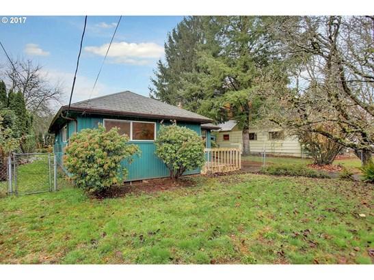 5820 Ne Sumner St, Portland, OR - USA (photo 3)