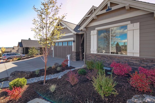 2557 Northwest Pine Terrace Drive, Bend, OR - USA (photo 2)