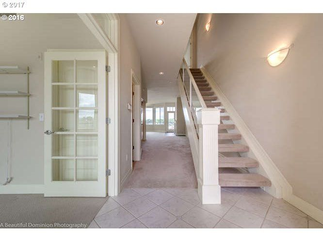 905 N Harbour Dr 6, Portland, OR - USA (photo 2)