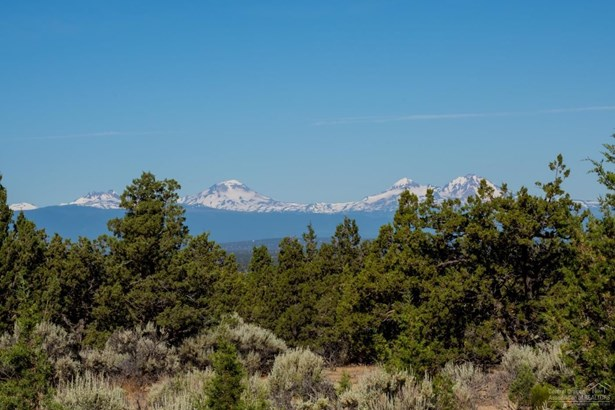 5917 Southwest Mt Bachelor Drive, Powell Butte, OR - USA (photo 5)