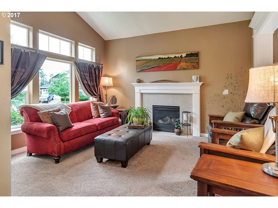 372 Fairway St, Newberg, OR - USA (photo 2)