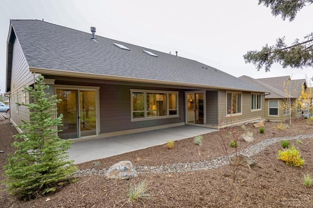 2525 Northwest Pine Terrace Drive, Bend, OR - USA (photo 2)