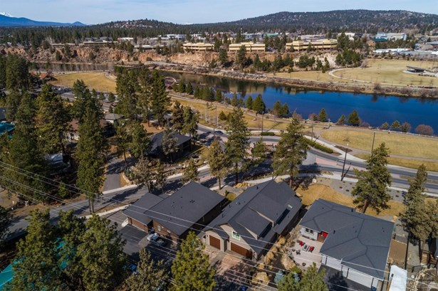 61677 Woodriver Drive, Bend, OR - USA (photo 2)