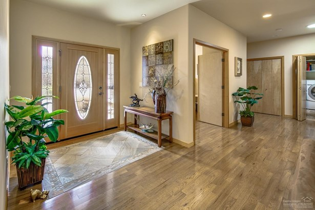 61025 Sky Harbor Drive, Bend, OR - USA (photo 5)
