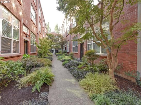 1009 Nw Hoyt St 108, Portland, OR - USA (photo 1)