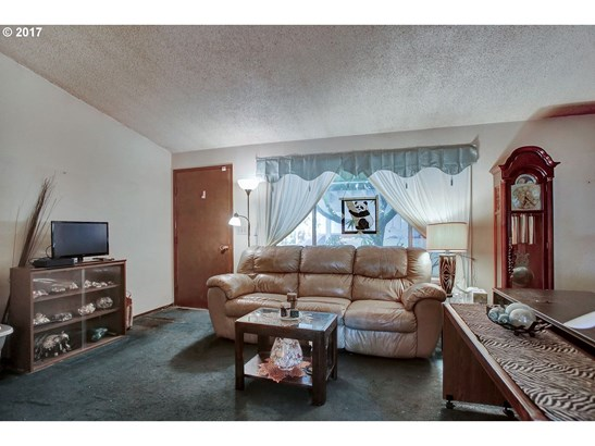 7670 Sw Bel Aire Dr, Beaverton, OR - USA (photo 5)