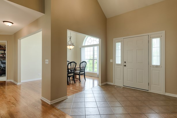 209 Maple Ridge Lane, Montgomery, IL - USA (photo 2)