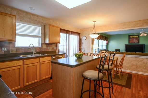 2830 Coastal Drive, Aurora, IL - USA (photo 5)