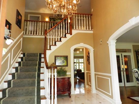 8808 Royal Swan Lane, Darien, IL - USA (photo 2)