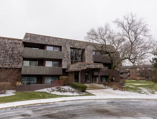 513 Timber Ridge Drive 305, Carol Stream, IL - USA (photo 1)