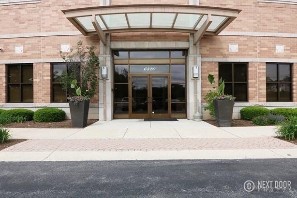 6420 Double Eagle Drive 909, Woodridge, IL - USA (photo 4)