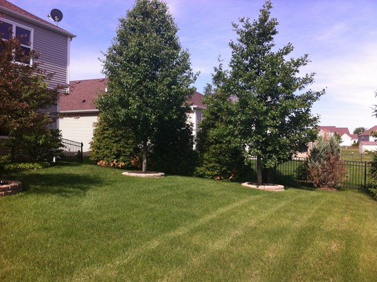 2180 Bartram Road, North Aurora, IL - USA (photo 4)