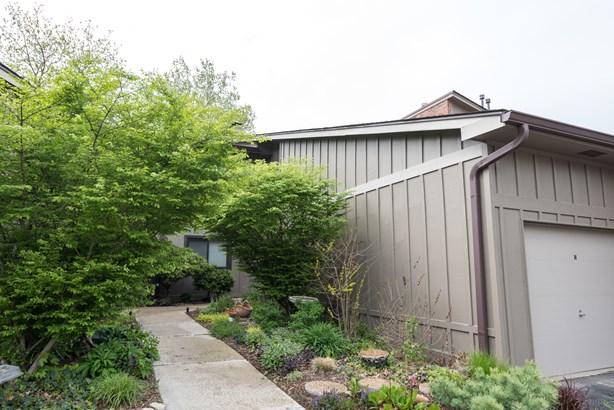 2s414 Emerald Green Drive G, Warrenville, IL - USA (photo 1)