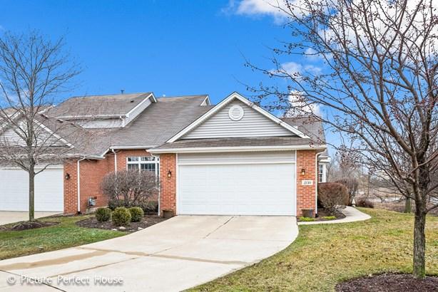 2130 Waterford Lane, Woodridge, IL - USA (photo 1)