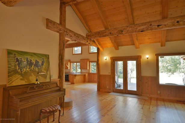 Single Family Residence, 2 Story,Lodge - Bellevue, ID (photo 4)