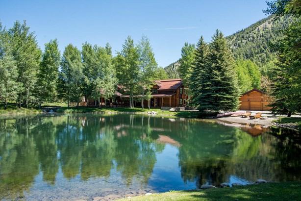 Single Family Residence, 2 Story,Lodge,Log - Ketchum, ID