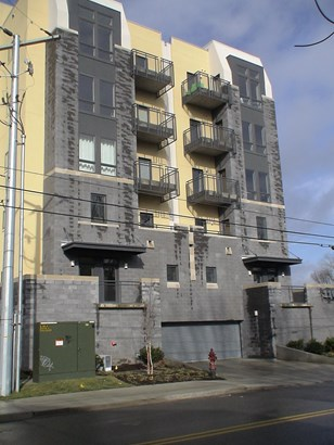 Condominium - Nashville, TN (photo 2)