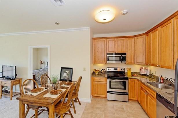 Condominium, Single Family - Clifton Park, NY